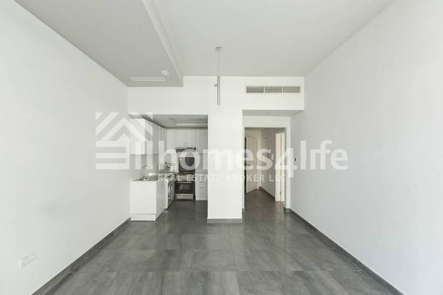 2 Platinum Residence 1 Vacant  With Kitchen Appliance