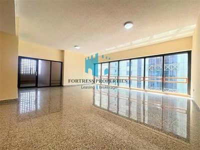 4 Bedroom Flat for Rent in Corniche Area, Abu Dhabi - Superb Huge 4BR DUPLEX Apartment | Maidsroom & Balcony !!