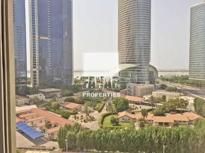 فلیٹ 3 غرف نوم للايجار في الحصن، أبوظبي - Spacious 3BR apt with Maids Room in Prime Loc.