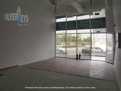 محل تجاري  للايجار في مثلث قرية الجميرا (JVT)، دبي - RENT SHOP   650 sq. ft   120 KW   BEST NEIGHBOURHOOD
