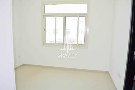 تاون هاوس 2 غرفة نوم للبيع في الغدیر، أبوظبي - Great Deal   Single Row W/ Semi-upgrade