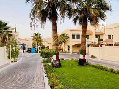 فیلا 5 غرف نوم للايجار في الخالدية، أبوظبي - فیلا في قرية خالدية الخالدية 5 غرف 159999 درهم - 5338588