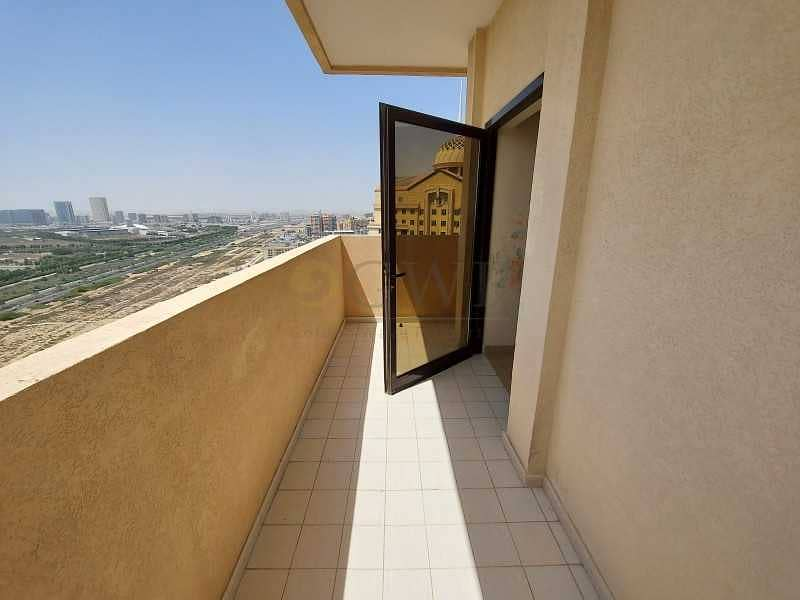 Large Studio 500 Sqft - Chiller Free - Open View - 2 Balcony