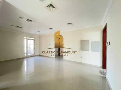 فيلا تجارية 5 غرف نوم للايجار في جميرا، دبي - Road Front   Maximum Visibility  Easy Accesibility