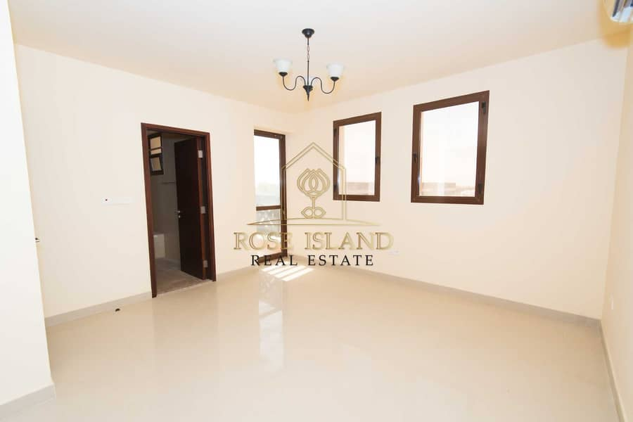 2 Hot Deal |Luxury-Living | Vacant Now