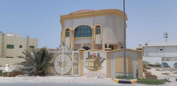 4 Bedroom Villa for Sale in Al Fisht, Sharjah - Luxury  New villa for sale near the sea – with Open Space in Al-Fisht Area- Sharjah.