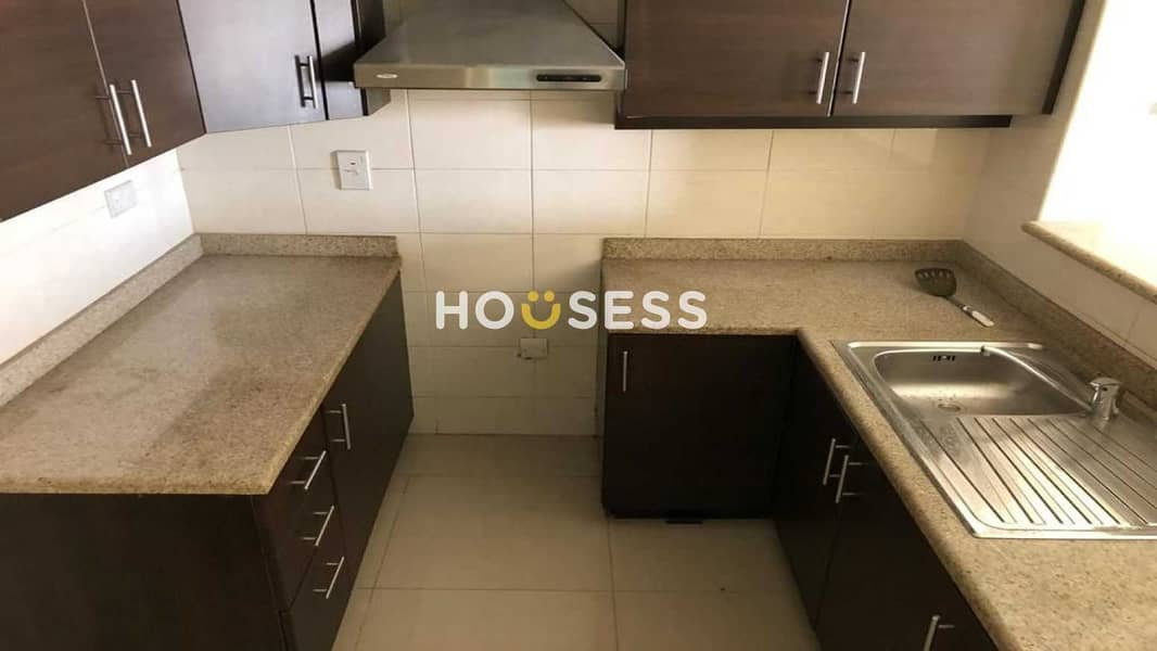 9 BRIGHT 1 BR | POOL VIEW | VACANT