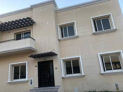 SPACIOUS 5 BEDROOMS COMPOUND VILLA / MAID ROOM /READY TO MOVE