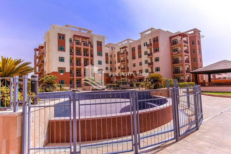 18 Best Deal! Amazing Terrace Apt w/ Pool View+3Cheques