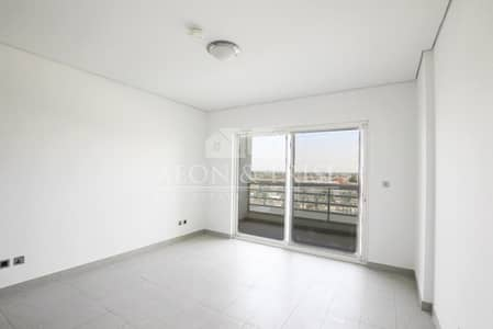 Full Lake View 2 bed in Jumeirah Heights