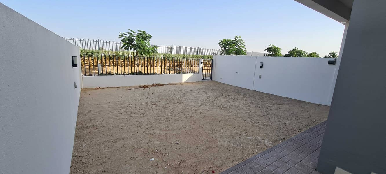10 Exclusive|Single Row|Rented|3 B/r + Maid|Type 2M|