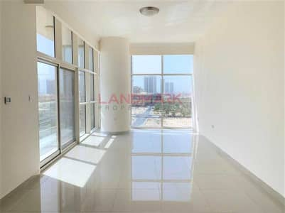 2 Bedroom Flat for Rent in Jumeirah Village Circle (JVC), Dubai - Golf Course View | Modern 2BR | With Balcony