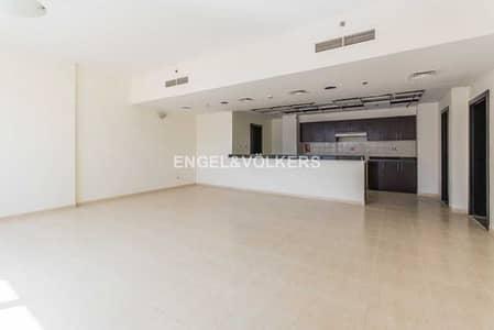 شقة 2 غرفة نوم للبيع في قرية جميرا الدائرية، دبي - Spacious Duplex | 2 Parking | Ready to Move