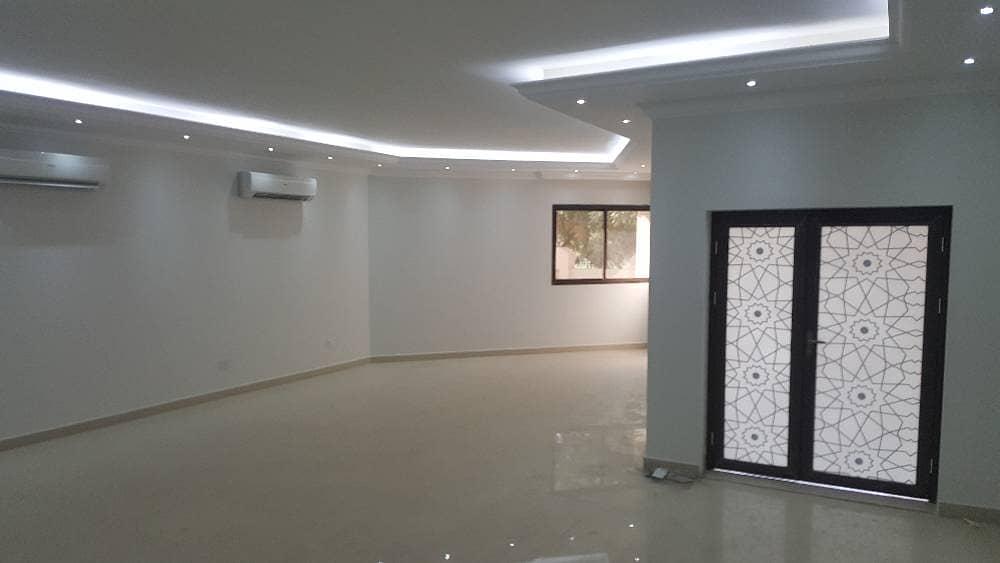 فیلا في الغبيبة 5 غرف 130000 درهم - 3156766