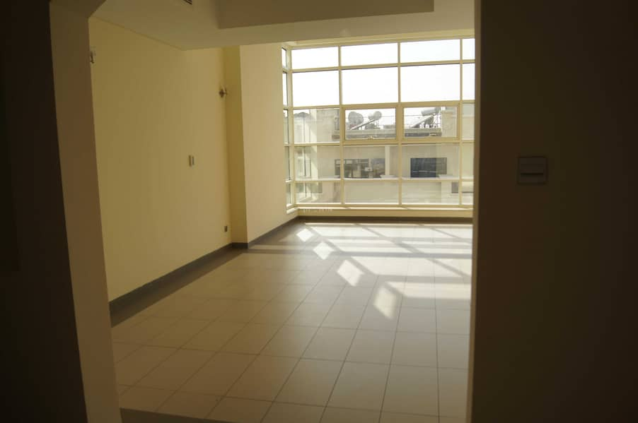 Chiller Free Stunning Large Layout Apartment