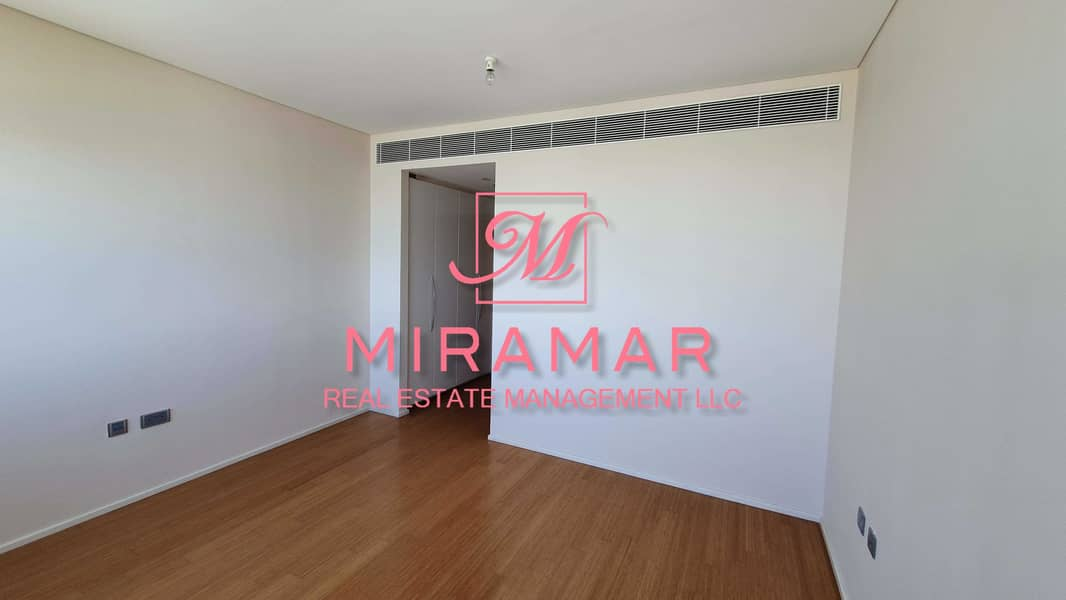 11 HOT DEAL! LUXURY 3B+MAIDS APARTMENT   SMART LAYOUT