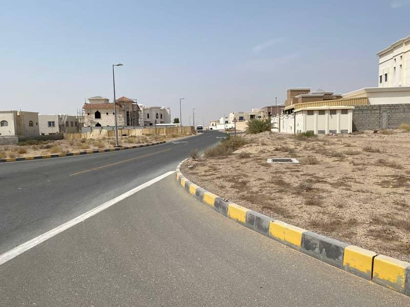 Corner land on two streets in Al-Barashi