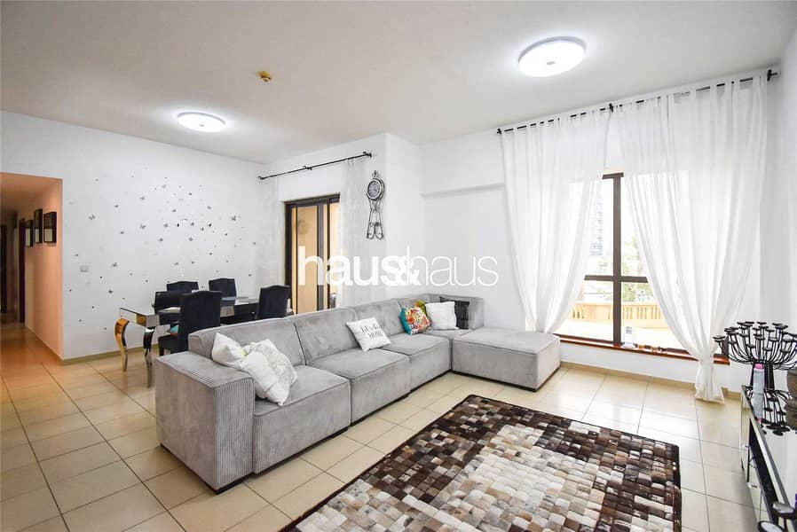 Beautiful 2 bed | Large unit | Bright and cosy
