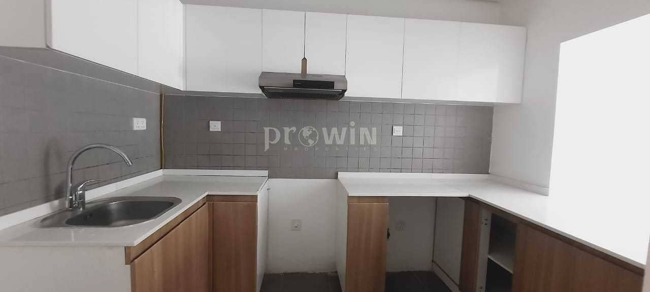 2 Beautiful 2 Bed Apt With Storage  | 6 Cheques | Prime Location !!!