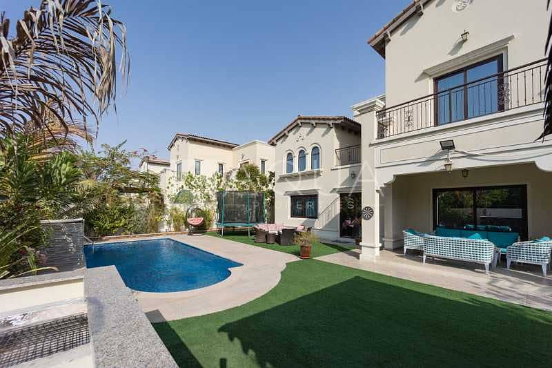 Exclusive   Excellent condition   Private pool