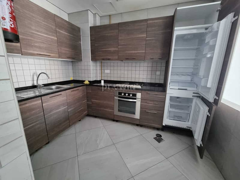2 Very Beautiful 1 Br Apt | Large Layout |Great Amenities | Call Now !!!