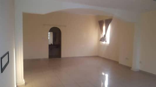 4 Bedroom Villa for Rent with 2 Majlis