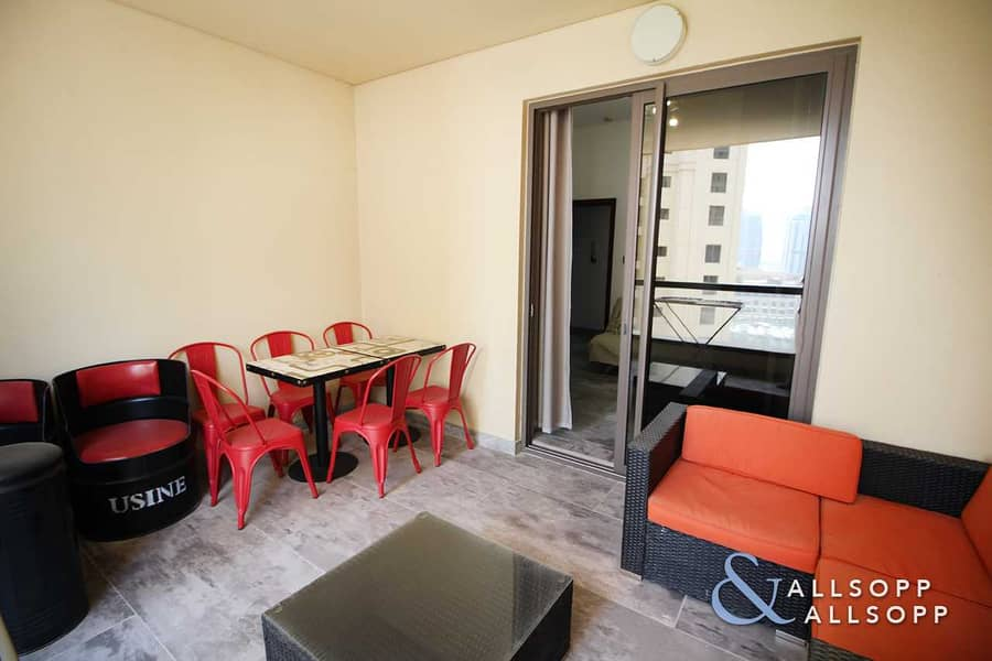 Upgraded | Small Terrace | Vacant l 2 Bed