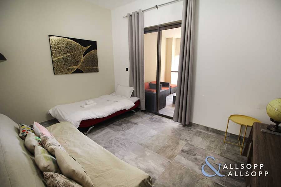 2 Upgraded | Small Terrace | Vacant l 2 Bed