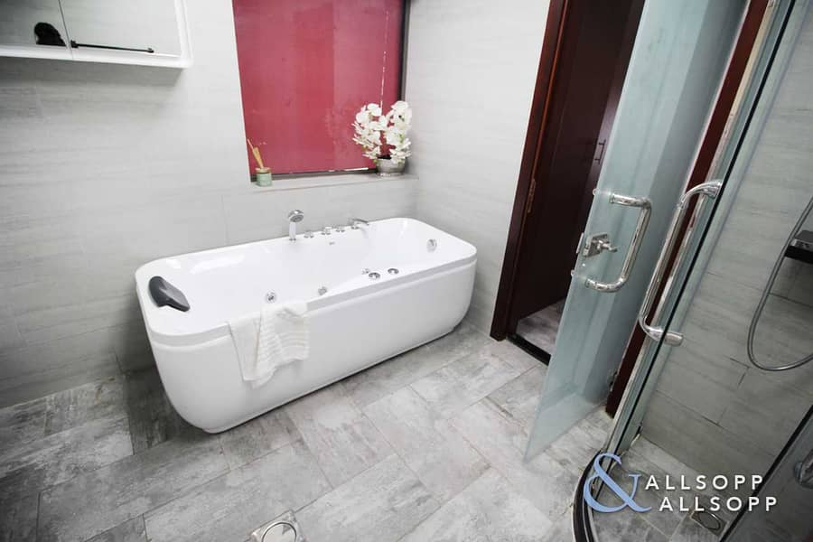 10 Upgraded | Small Terrace | Vacant l 2 Bed
