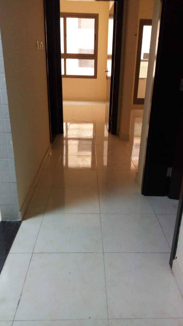 FOR RENT: 1BHK AVAILABLE IN EMIRATES CITY (LAKE TOWER) WITH PARKING