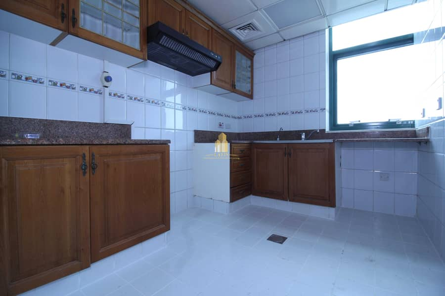30 location and spacious spaces! 2BR Hamdan St.   PARKING AVAILABLE!