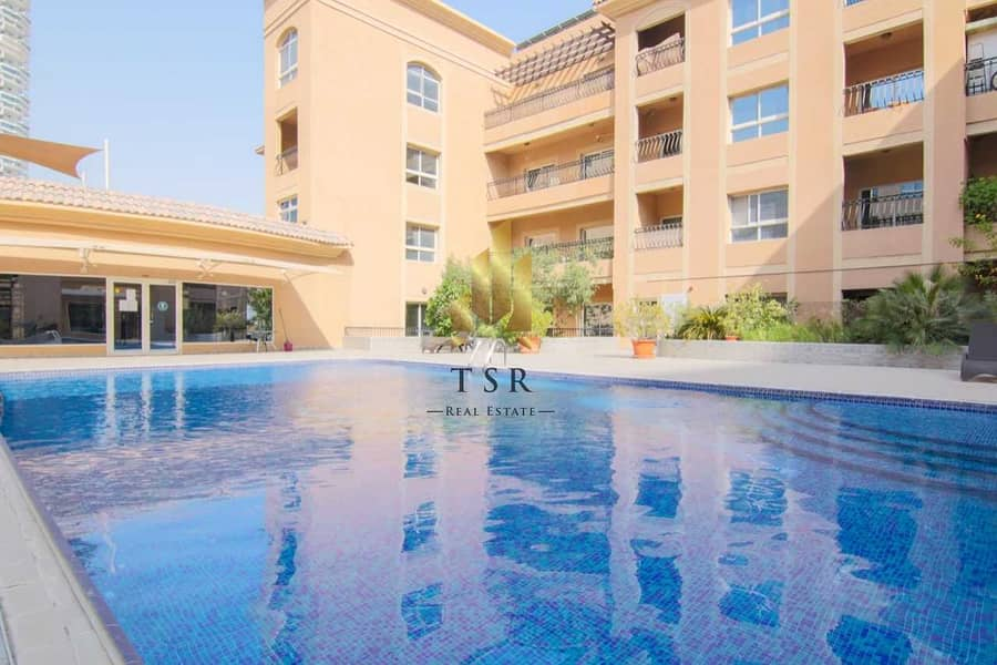 22 Spacious   Pool View   Well Maintained