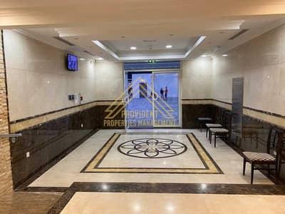 شقة 2 غرفة نوم للايجار في شارع الشيخ خليفة بن زايد، أبوظبي - شقة في برج كورنيش بلازا شارع الشيخ خليفة بن زايد 2 غرف 74999 درهم - 5344730