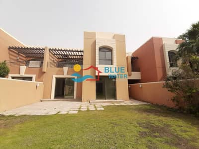 4 Bedroom Villa for Rent in Abu Dhabi Gate City (Officers City), Abu Dhabi - No Commission !  Stunning 4 Bedroom Villa with private Garden and Beach Access