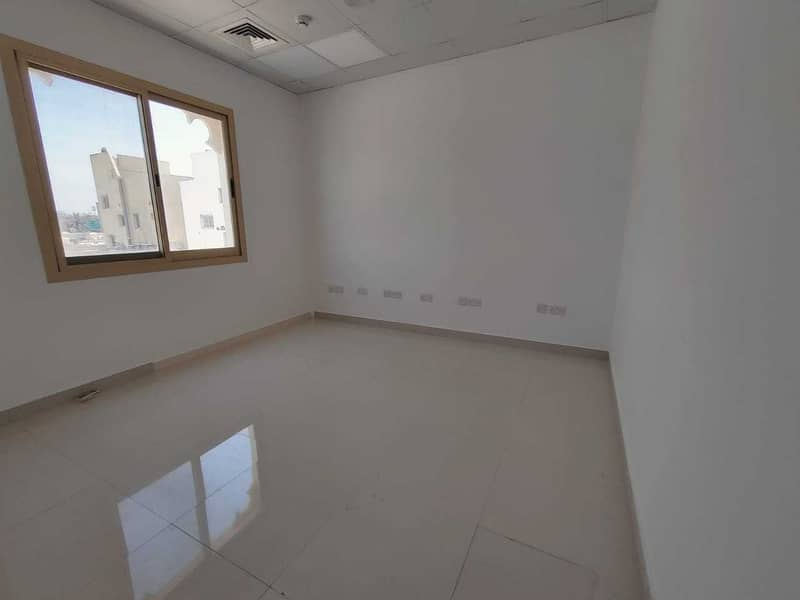 HUGE  COMMERCIAL VILLA IN HOR AL ANZ  AVAILABLE FOR RENT  & SALE