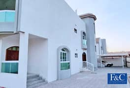 Large 5 bedroom villa with Large Terrace