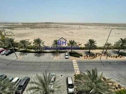 1 Bedroom Apartment for Rent in Al Ghadeer, Abu Dhabi - Elegant 1 BR with W/B on Great Location. .