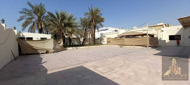 فیلا 18 غرف نوم للايجار في الطوار، دبي - Arabic Style 18 Bedrooms   Very Close to Metro Station   Only 350 k