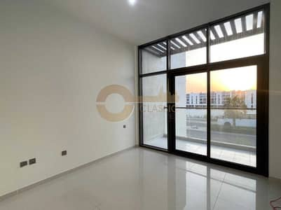 3 Bedroom Townhouse for Sale in DAMAC Hills 2 (Akoya by DAMAC), Dubai - Single Row   3BR with Maid room   Closed kitchen