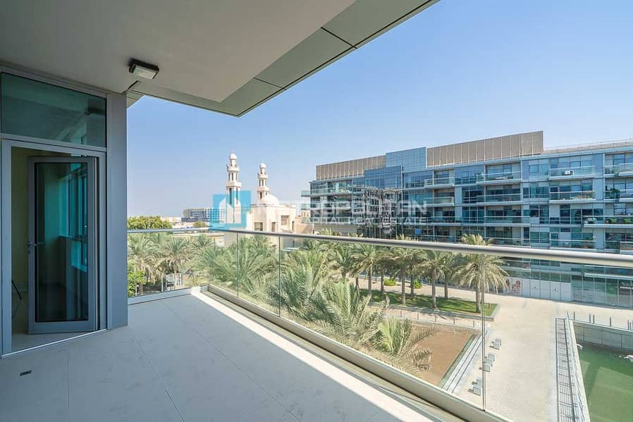 Canal View | Huge Balcony | Spacious Bright Layout