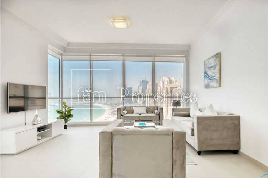 Apt with luxurious finishes & scenic sea views
