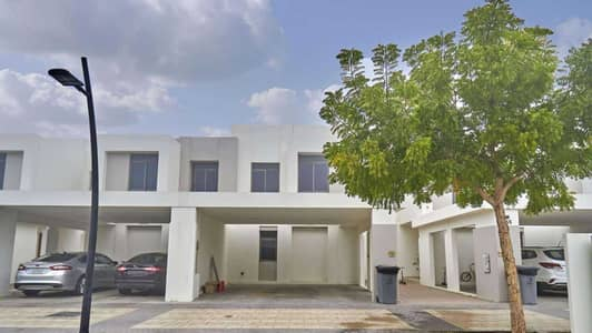 3 Bedroom Townhouse for Rent in Town Square, Dubai - Type 2 Near the Pool and Park