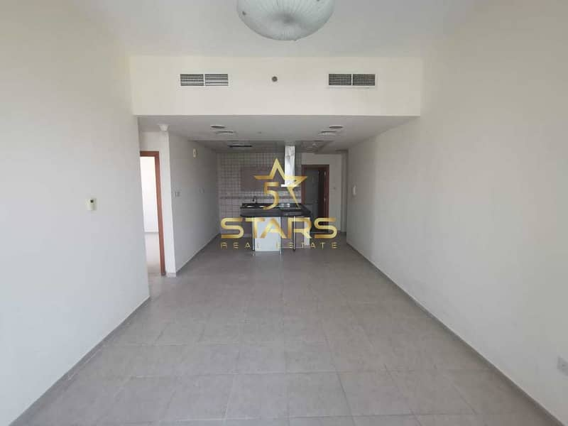 Vacant Ready to Move in I High End I Best Location