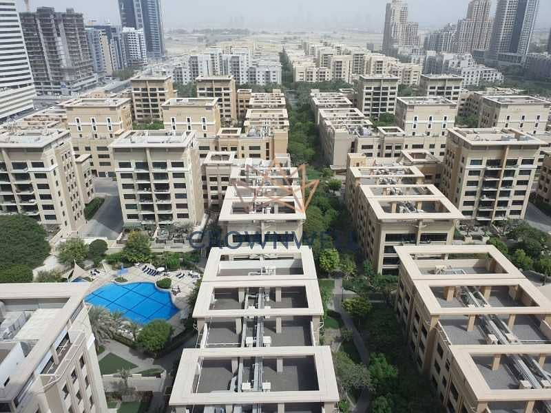 Vacant  Mid-floor  1BHK  Well-maintained  Spacious