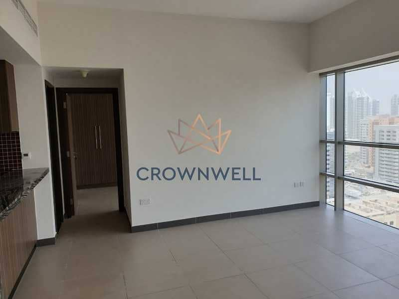 2 Vacant  Mid-floor  1BHK  Well-maintained  Spacious