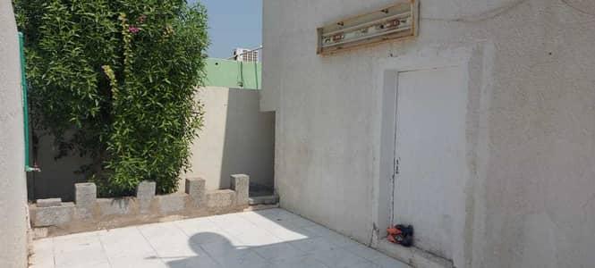 3 Bedroom Villa for Rent in Maysaloon, Sharjah - 3 bedroom hall villa for rent in Maysaloon