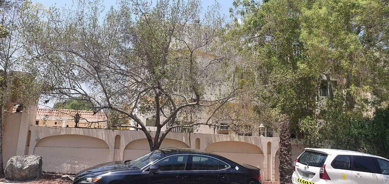 **1 MONTH FREE**MASSIVE FULLY INDEPENDANT 12 BEDROOMS PRIVATE VILLA IN AL BARAHA FOR RENT