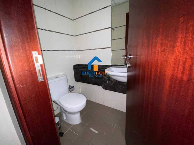 10 HURRY UP FULLY FURNISHED 1BHK IN SCALA TOWER