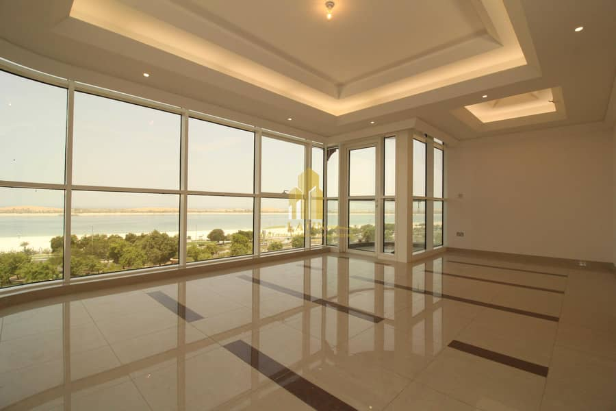Luxurious Panoramic SEA VIEW 2 bedrooms + Maid flat | All Facilities !!