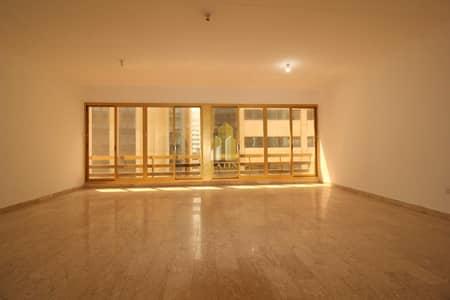 شقة 3 غرف نوم للايجار في شارع الكورنيش، أبوظبي - Spacious & well-maintained 3 BR apartment ! | Featured location in Al corniche!
